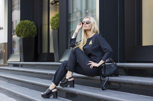 להתלבש כמו סלבס: פריטי האופנה האהובים על המפורסמות