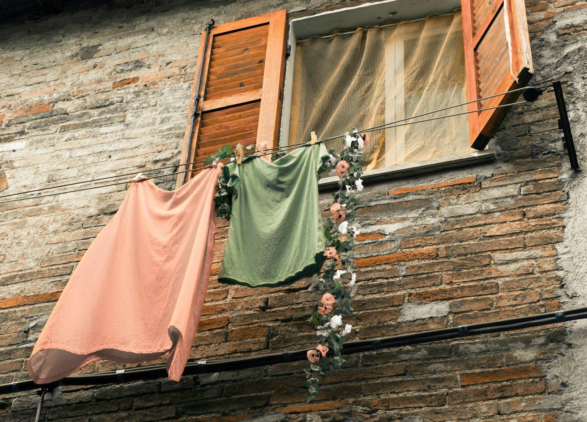 משוק לשיק: איך לשדרג בגדים ישנים?
